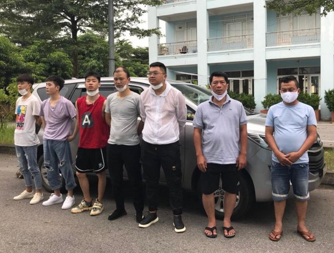 Bị xử lý ngư thế nào khi giúp người khác nhập cảnh trái phép vào Việt Nam